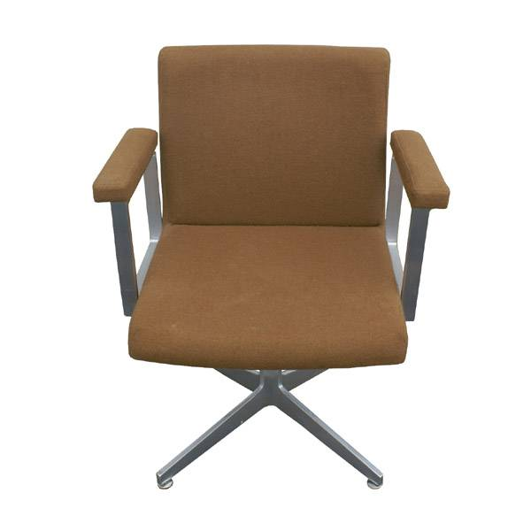 2 GF fice Furniture Aluminum Arm Chairs