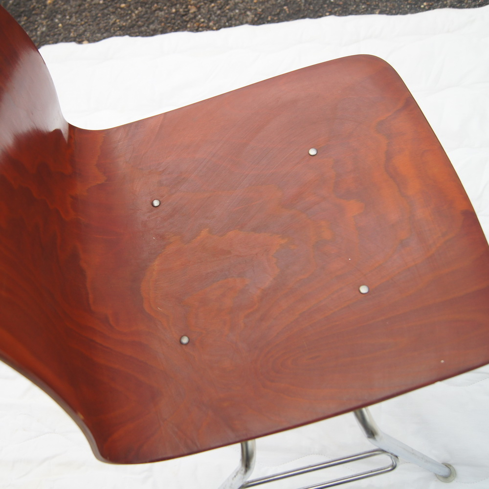 About 5 vintage royal metal bent plywood side dining stacking chairs