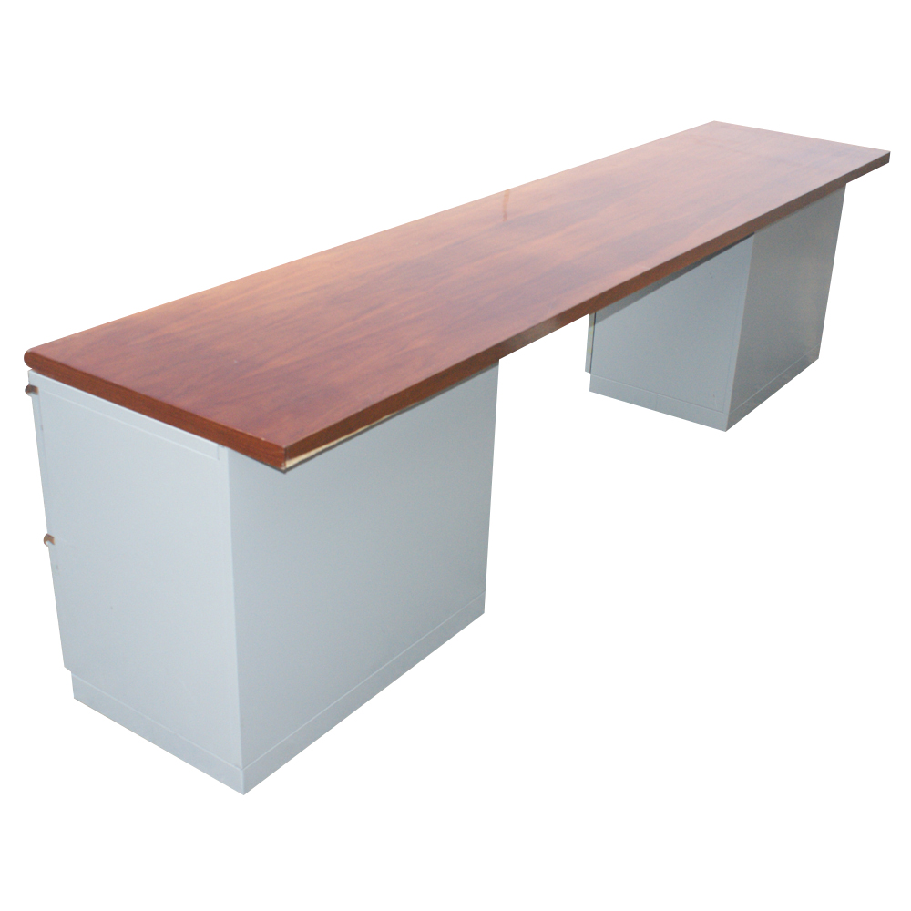 1 Steelcase Kneehole Credenza
