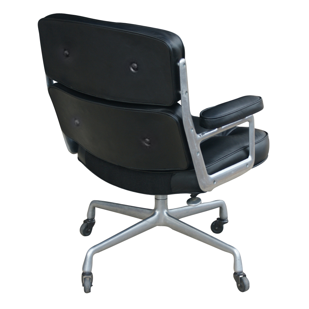 Eames Aluminum Executive Chair In Olive Leather By Herman