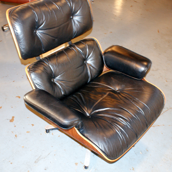 eames lounge chair with ottomane