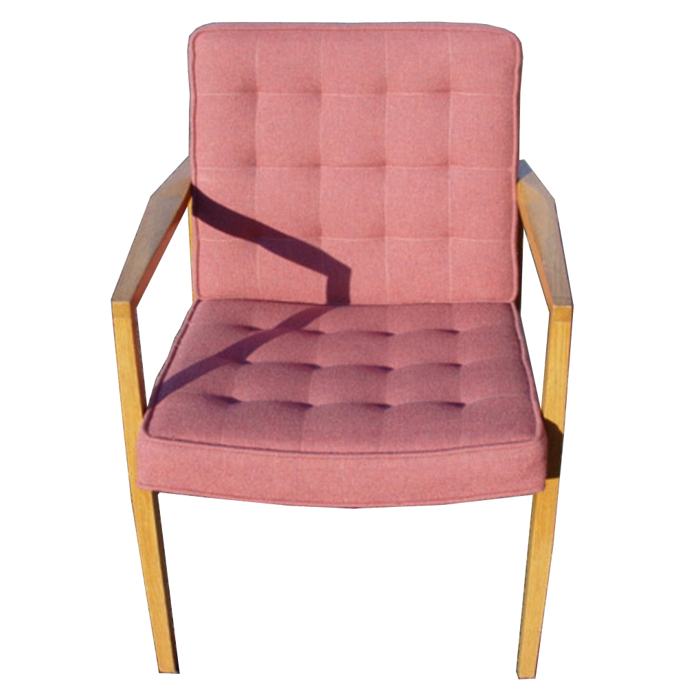 1 Knoll Vincent Cafiero Pink Lounge Chair
