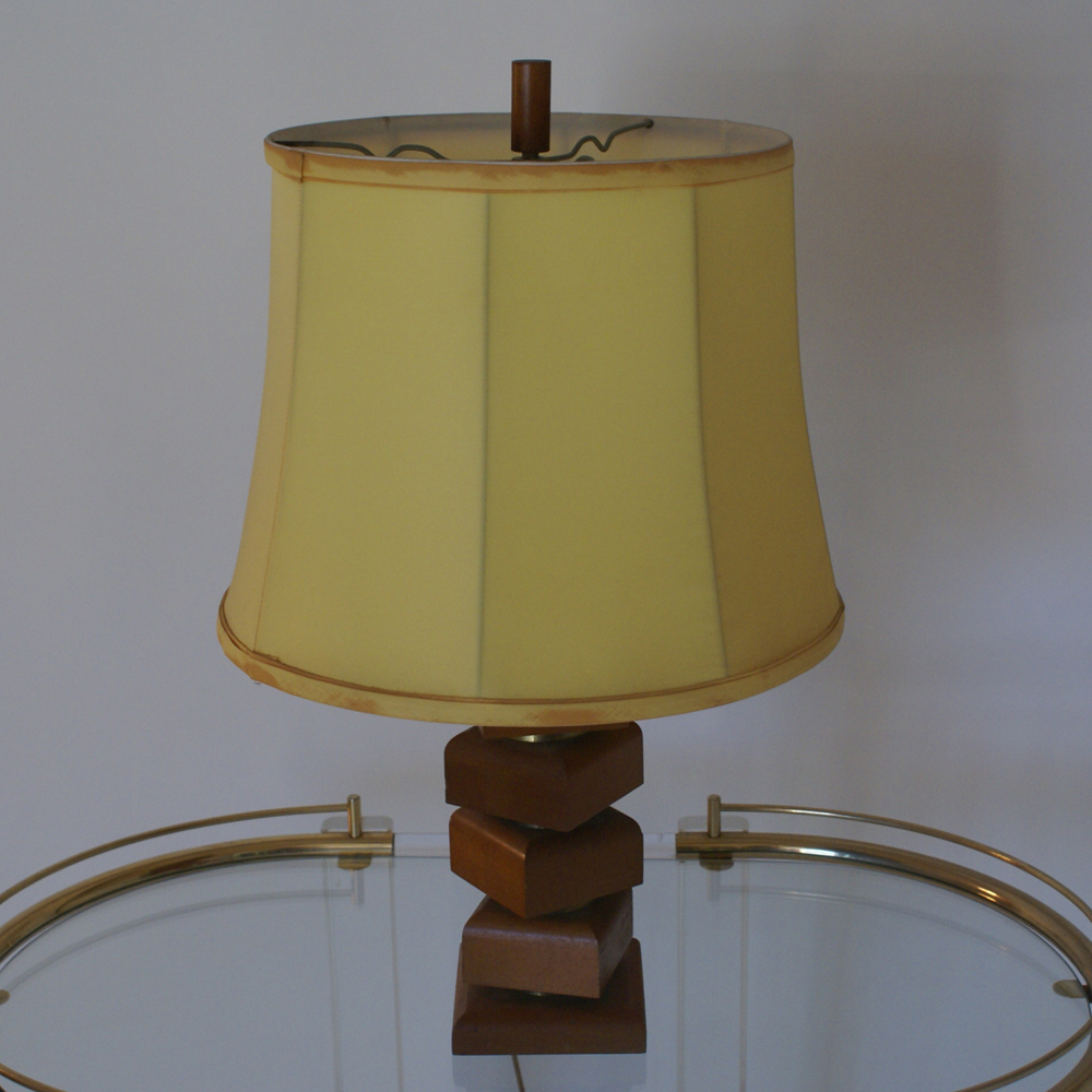 Vintage wood and brass table lamp ebay for Vintage wooden table lamps
