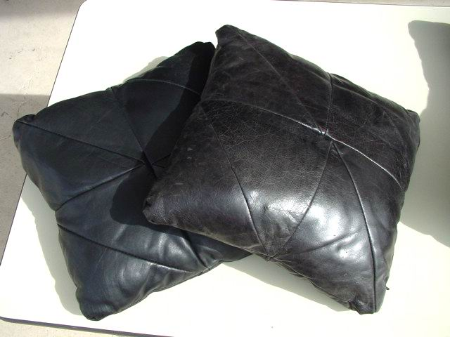 http://www.metroretrofurniture.com/images/pillows/pillowgroupb3.jpg