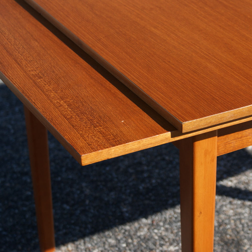 Danish Teak Extension Dining Table 1960 S Two Pull Out Leaves Extends From 47 75 To 79 25