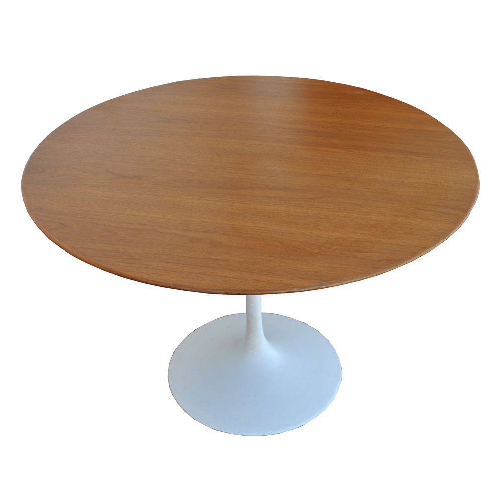 42 Mid Century Modern Saarinen Walnut Dining Table A Tulip The Tabletop Is Wood And Has Knife Edge Taper